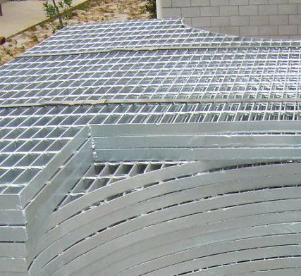 Hot Dipped Galvanized Irregular Steel Grating pictures & photos