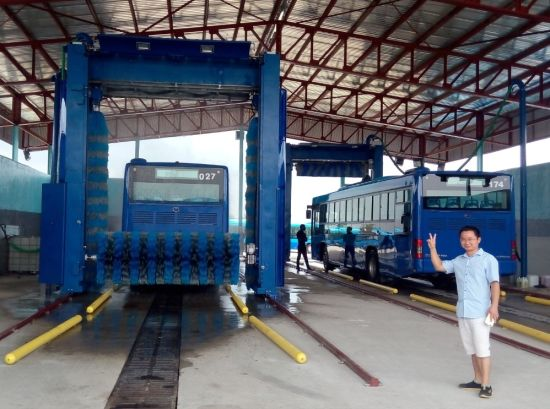 Automatic Bus Washer to Nigeria Truck Wash Center pictures & photos