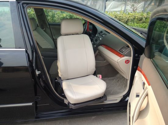 Safety Turning in Seat for Handicapped Car Mobility pictures & photos