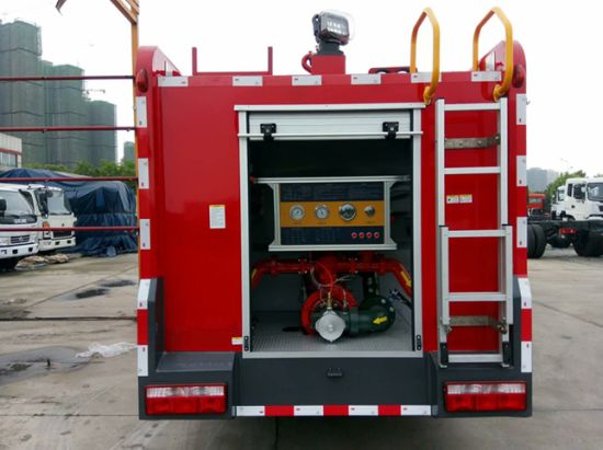 Dongfeng 6 Wheels 4000 L Water Fire Fighting Vehicle 4 Tons Water Tanker Fire Fighting Truck pictures & photos