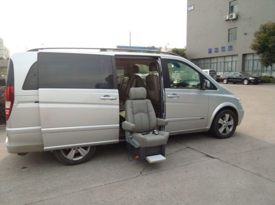 Lift Turning Car Seat for Ambulance SUV MPV pictures & photos