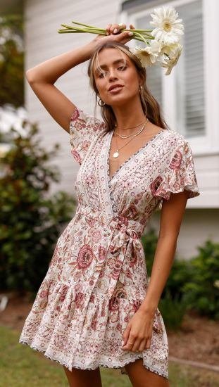 Summer New Women′s Clothing Bohemian Beach Holiday Wind Short Sleeve Deep V Dress pictures & photos