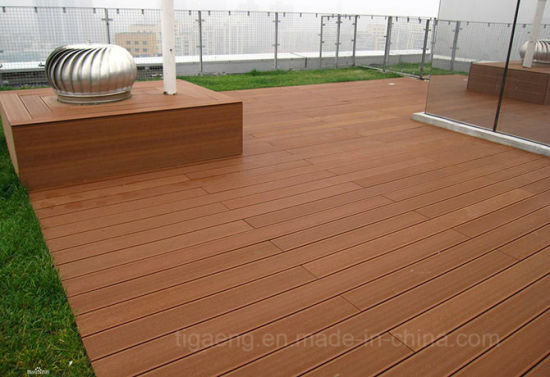 China Outerior Decorative Wooden Pe Decking Floor Tilewpc Flooring