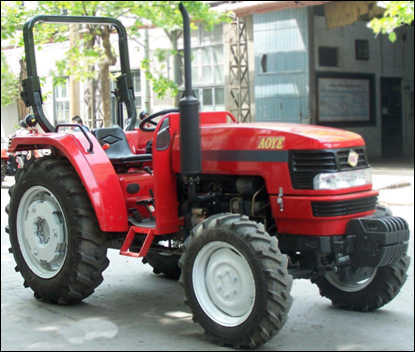 Weituo Brand Aoye Series Shaft Transmission 40-65HP Farming and Transportation Use 2WD or 4WD Drive Four Wheel Tractor pictures & photos