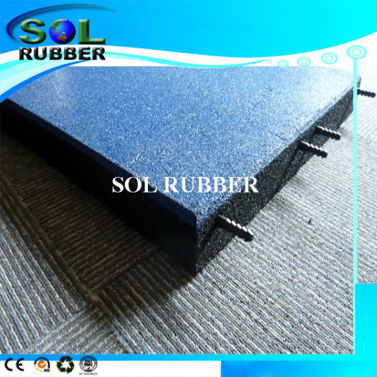Free Install Connect Pin Interlock Outdoor Floor Rubber Mat pictures & photos