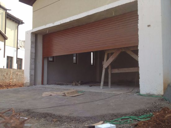 China Customized Colors Exterior Rolling Shutters Roller Shutter ...