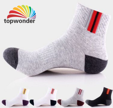 Custom Cotton Ankle Sport Sock in Various Colors and Designs pictures & photos