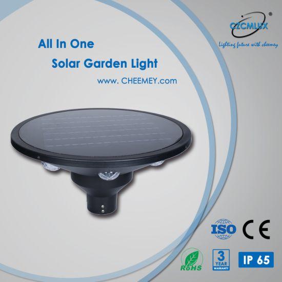 Energy Saving Outdoor LED Solar Post Light for Garden