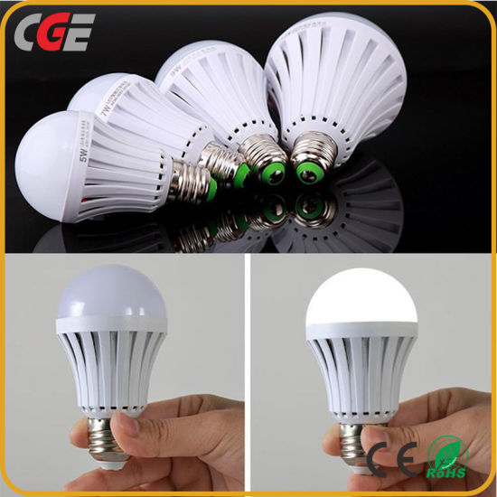 Latest Design 7W E27 Rechargeable LED Emergency Light Emergency LED Lamp with Ce RoHS