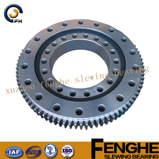 Three-Row Roller Slewing Bearing - Slew Ring pictures & photos