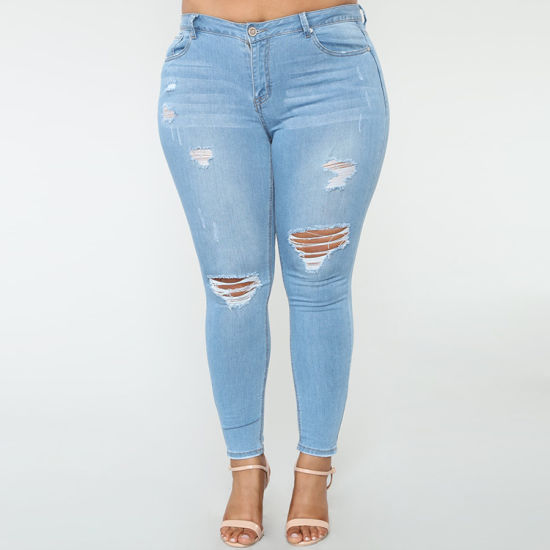 Wholesale Blue Denim Women Ripped Shorts Jeans pictures & photos