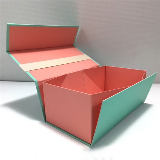 China New Design Magnetic Folding Gift Packaging Box Cosmetic Box