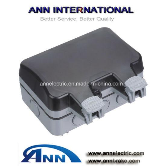 China 13a Switch Socket Weatherproof Socket Ip65 Wall