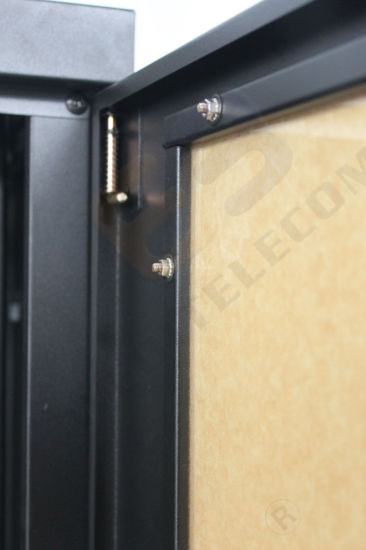 19  Us Network Cabinet with Perspex Door & China 19