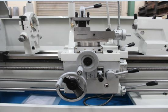 Ecm Approved Bench Lathe Model Cq6230A-2 pictures & photos