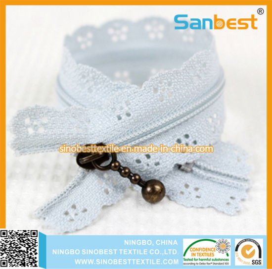 High Quality Nylon Lace Zipper with Beautiful Colors pictures & photos