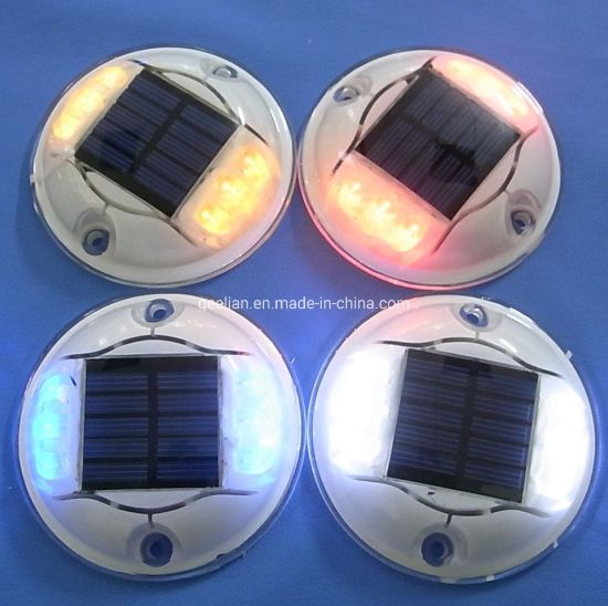 Anti-High Temperature Barrier LED Strobe Plastic Solar Road Stud pictures & photos