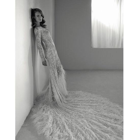 Luxury White O-Neck Long Sleeve Feather Trailing Wedding Dress
