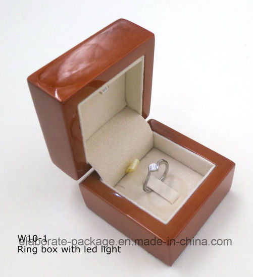 Luxury Hardwood Ring Box with LED Light pictures & photos
