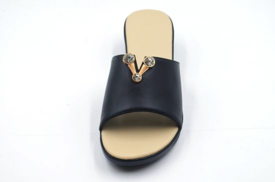 2019 New Design Lady Sandals with Wedge Heel pictures & photos