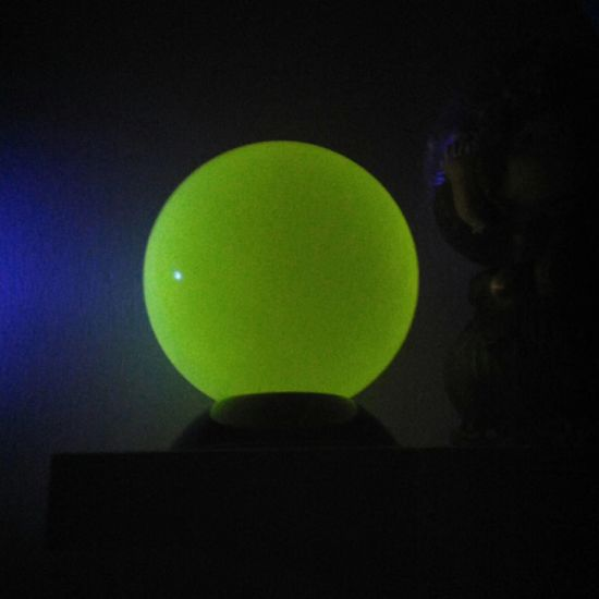 Glow in Dark Acrylic Contact Juggling Ball for Stage Performance pictures & photos