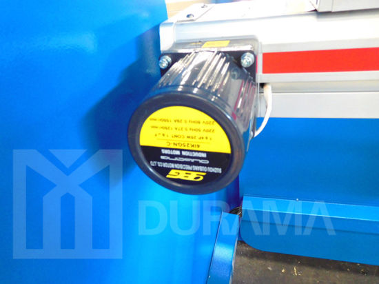 Durama Brand Hydraulic CNC Press Brake with Delem Controller pictures & photos