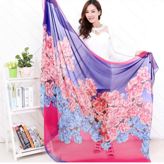 Chinese Style Art and Soft Silk Printing Scarves pictures & photos