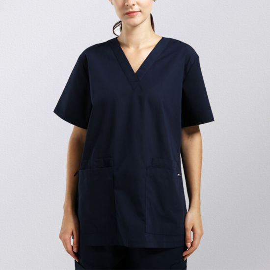 Fashion Design Medical Uniform Unisex Scrub Set Top & Pant pictures & photos