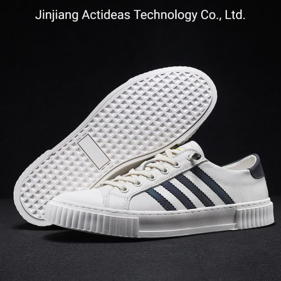 Fashion Sport Men Leather Casual Shoes Sneakers Made in China