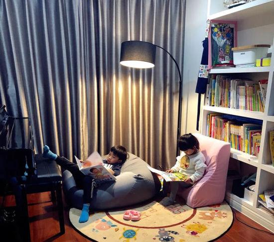 a Black Cloth Fishing Floor Lamp /LED/Decoration/Lighting/Light/Lamp