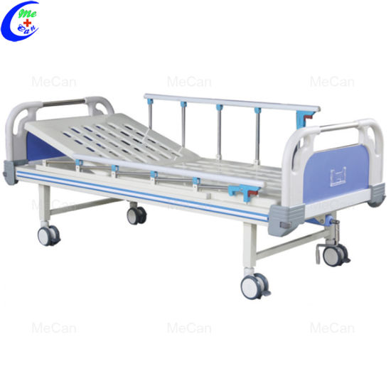 Medical One Crank Manual Hospital Bed with ABS Headboards pictures & photos
