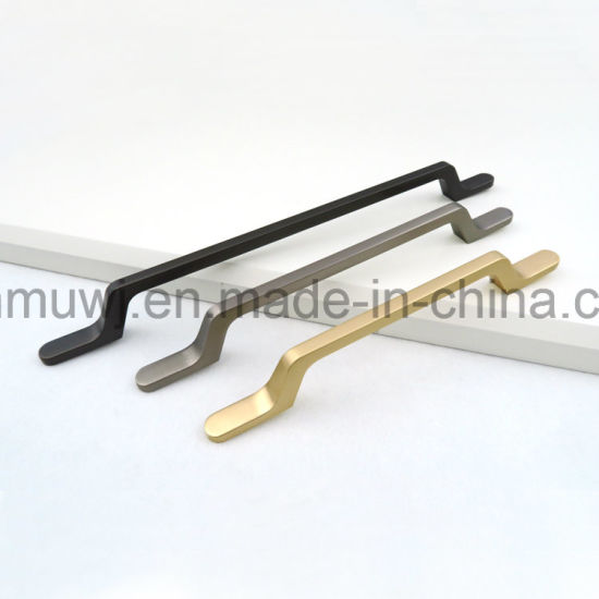 Wholesale Classical Kitchen/Wardrobe/ Drawer/ Cabinet /Dresser Handle, CNC Machined Part for Furniture Hardware/Home Decoration