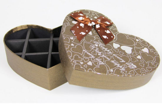 Custom Paper Heart Shaped Chocolate Box pictures & photos