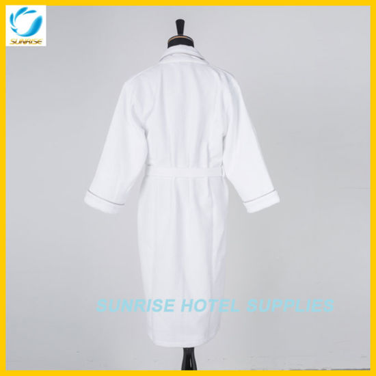 100% Cotton Velvet Hotel Bathrobe pictures & photos