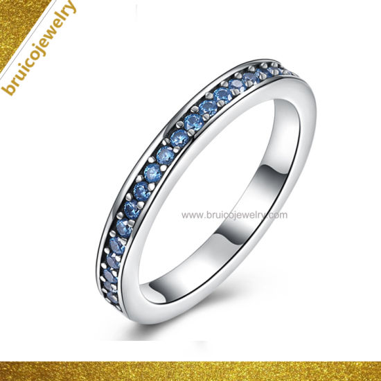 Simple Design White Gold Color Jewelry Ring with Blue Sapphire Wholesale Fashion Band Ring pictures & photos