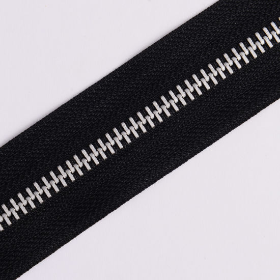 No. 5 5# Aluminum Zipper Metal Zipper Long Chain pictures & photos