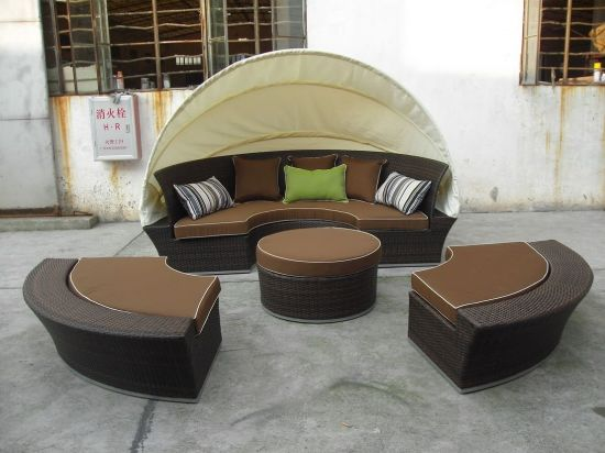 Well Made Round Shape Garden Sunbed with Waterproof Back Pillows