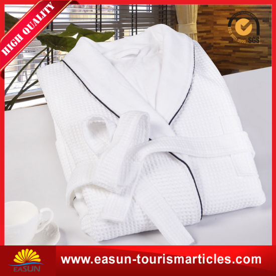 High Quality Egyptian Cotton Hotel Waffle Bathrobe pictures & photos