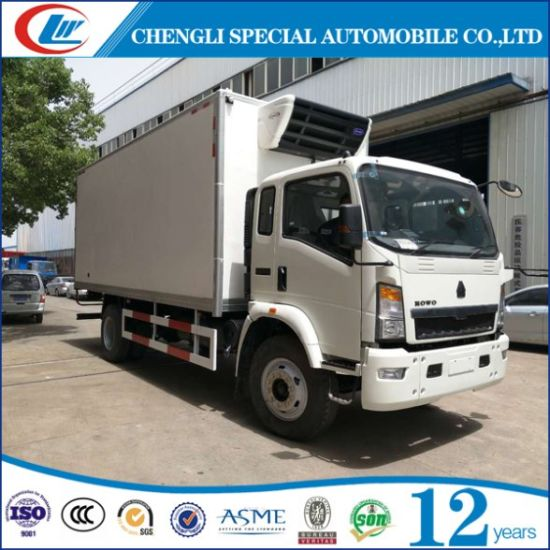 HOWO Small 6 Wheel Refrigerator Van Truck pictures & photos