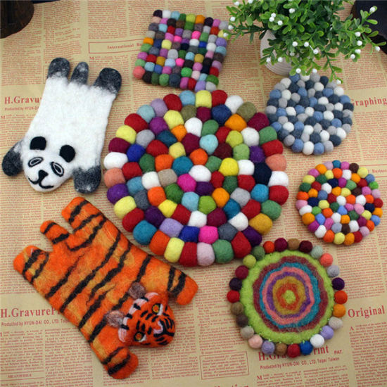 Multi Color Felt Ball Rugs Carpet Handmade Wool Carpet pictures & photos