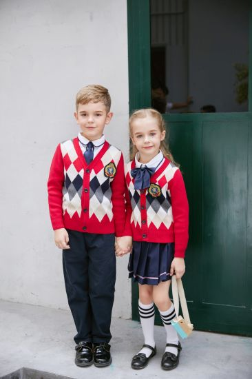 Red&White Classic Suits for Kindergarten/Primary School Girls pictures & photos