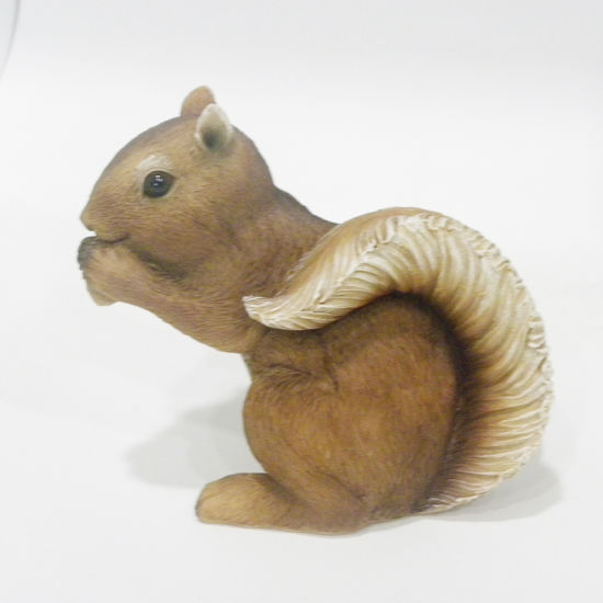 Squirrel Decorative Polyresin Garden Animal Figurine pictures & photos
