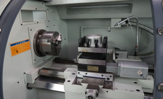 Hydraulic Hollow Spindle CNC Lathe Machine (CK6432A) pictures & photos
