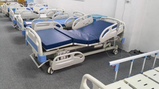 Hospital Furniture ICU Bed Medical Nursing Manual Hospital Bed with Examintation Lamp