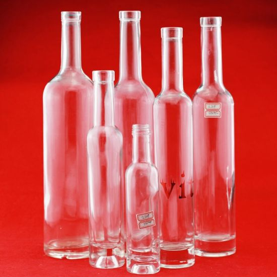 China Wholesale 750ml Vodka Glass Bottles Brandy Spirits Bottles Cylindrical Liquor Bottles pictures & photos
