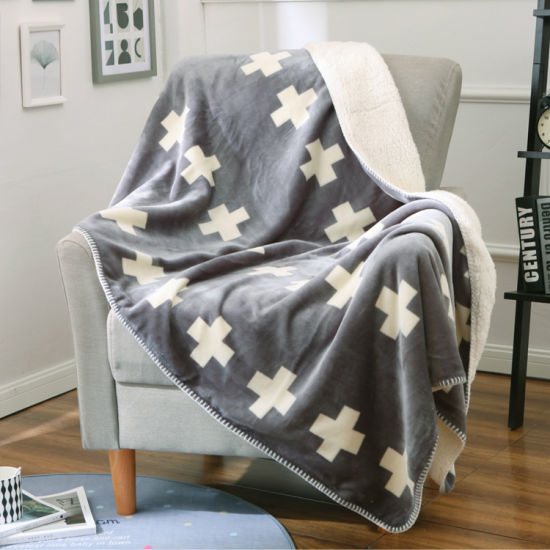 High Quality Winter Use Velvet Blanket pictures & photos
