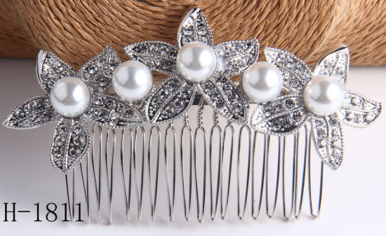 Wedding Bridal Bridesmaid Hair Combs Headband Heart Girls Love Crystal Rhinestone Combs for Hair Accessories Gift pictures & photos