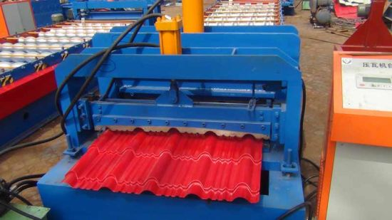 Botou Quality Manufacturer Galzed Roof Tile Forming Machine pictures & photos