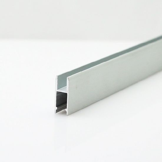 Aluminum Sliding Runner Extrusion for Exhibition Showcase Display (GC-S472) pictures & photos