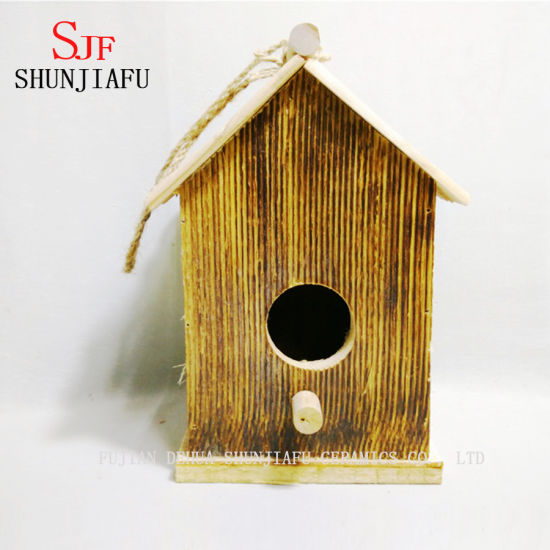 Customized Shape Wooden Bird Nest for Sale pictures & photos